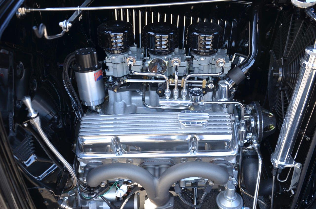 "Chevrolet Performance<br>425hp / 383"" Fastburn<br>SBC Crate Engine"