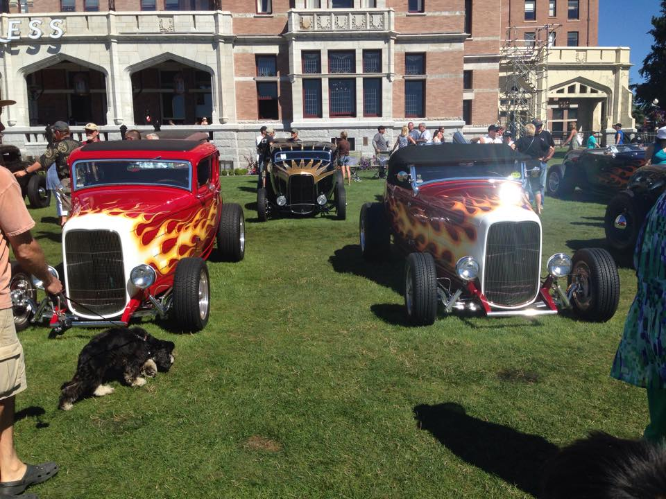 Jeff's in good company @ 2016 NW Deuce Days. That's Vic Edelbrock's 5-Window on the left & Andy Brizio's Roadster on the right.