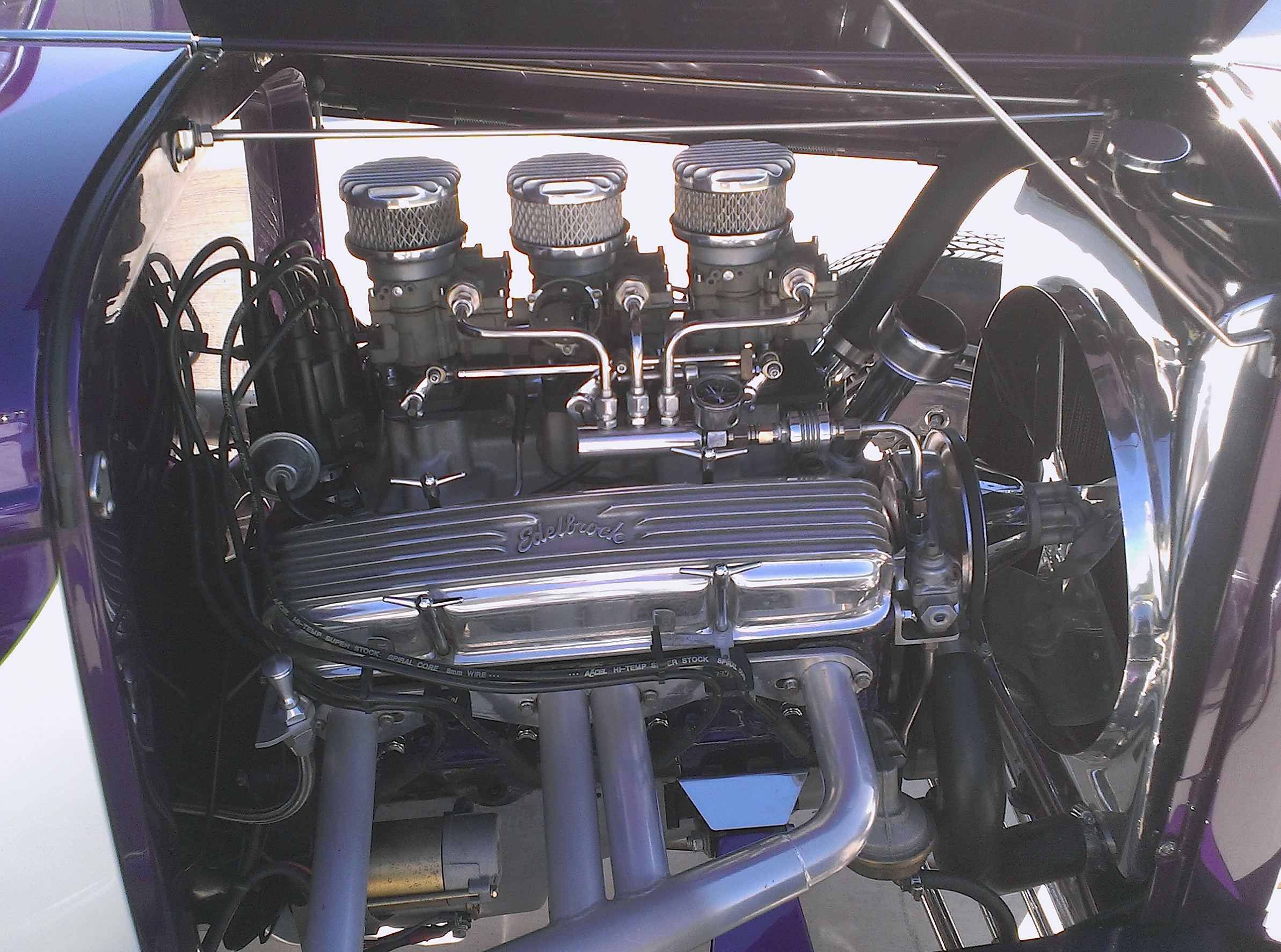 AUTOMOTION<br>Hot Rod Carbs<br>Tri-Power Built To Last<br>16+ years without any additional maintenance or tuning